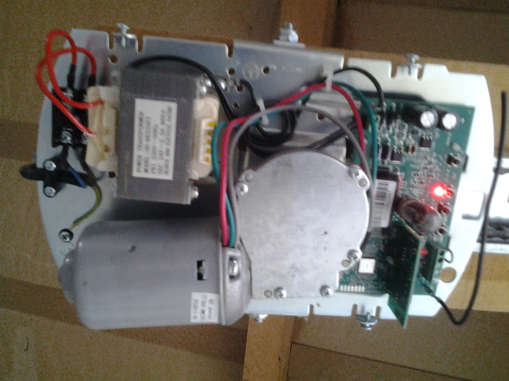Installation radio recepteur et porte de garage r solue - Motorisation porte de garage sectionnelle wayne dalton ...