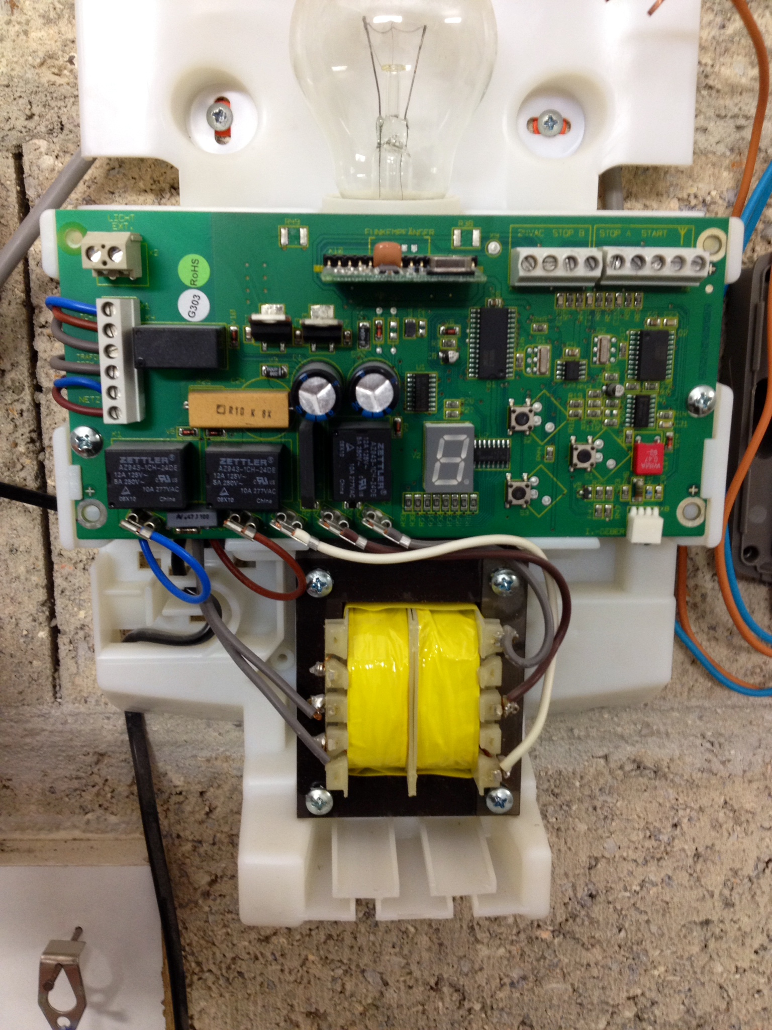 Cablage recepteur radio motorisation garage avec r ponse s - Emetteur recepteur porte de garage ...