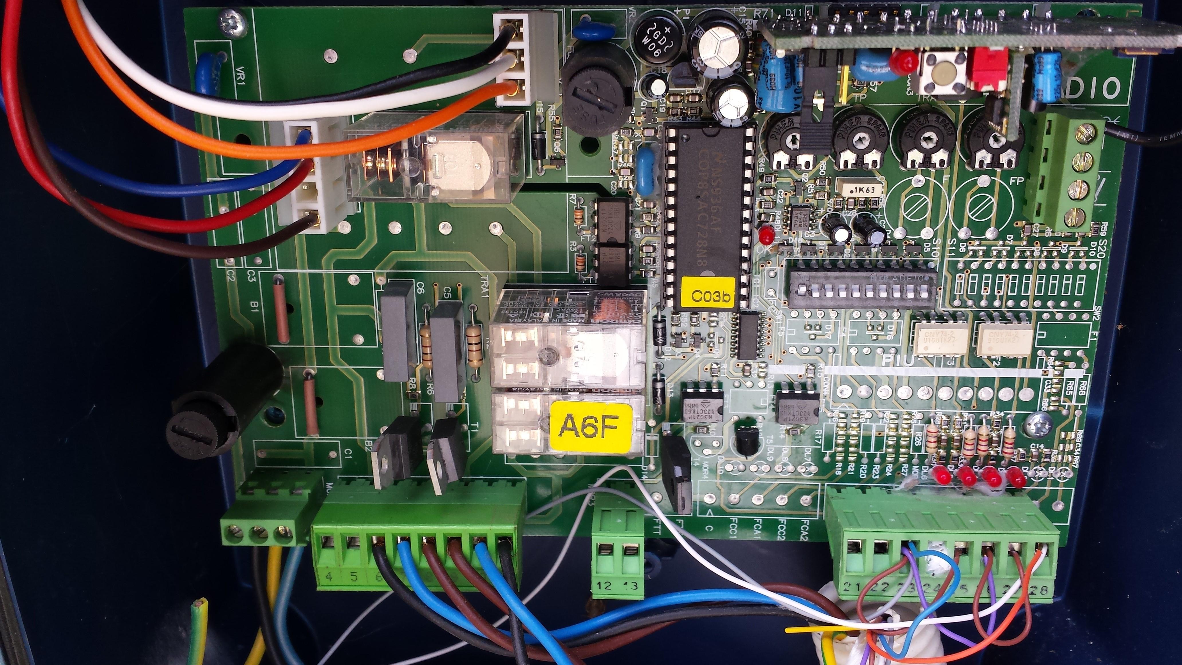 Branchement r cepteur ext rieur rts somfy sur motorisation de portail battant - Somfy volet battant electrique ...