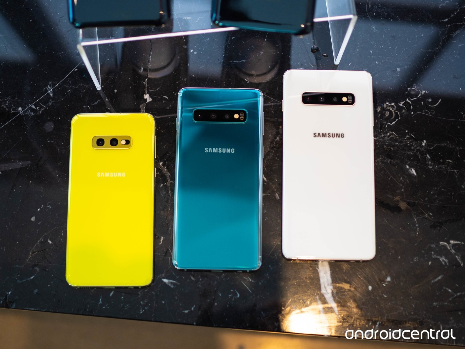samsung-galaxy-s10-all-back-2.jpg