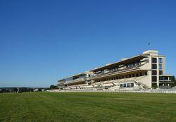 Race_track,_hippodrome_d'Auteuil,_Paris_17_July_2016.jpg